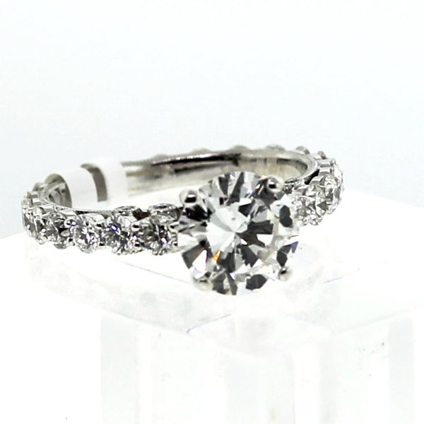 22 Round Brilliant = 1.55 10 Round Brilliant = .07 18K White Gold Lady's Ring LR0814