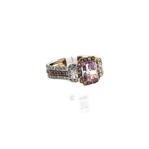 54 Round Brilliant = .47 58 Round Brilliant = .52 Fancy Pink 2 Radiant Cut = .37g VS1 Platinum & 18K Gold Lady's Ring LR1201