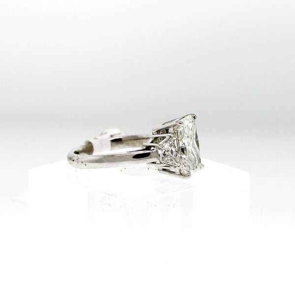 Radiant Cut Diamond 4.01 ct I VS2 Platinum and 2 Trapezoids = 0.82ct, Ring GIA # 6157855102 D15985 LR1284
