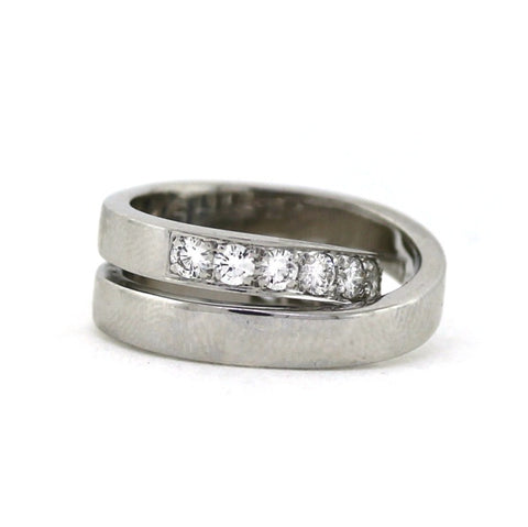 Estate Cartier Nouvelle Vague Ring 1999, 1.10ctw, retail $10,400 18K White Gold Lady's Ring LR1323