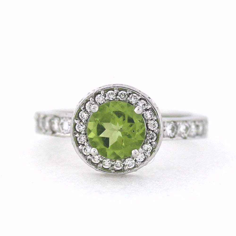 Estate 51 Round Brilliant = .70 1 Peridot = 1.33 6.2gr 18K White Gold Lady's Ring LR1367