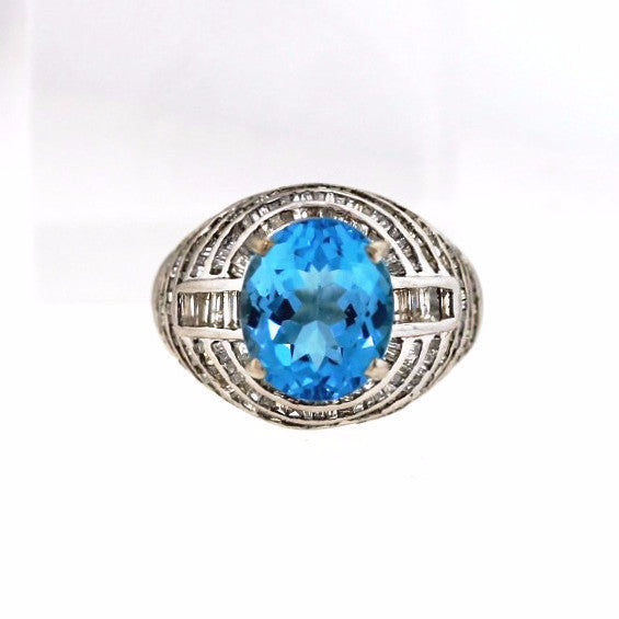 Estate 6.50 Blue Topaz Baguette = 2.10ctw 8.2gr 18K White Gold Lady's Ring LR1606