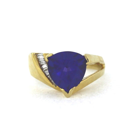 Estate Trillion Tanzanite 3.00cts 9 Tapered Baguette = .25 cwt. 5.76gr 14K Yellow Gold Ring LR3289