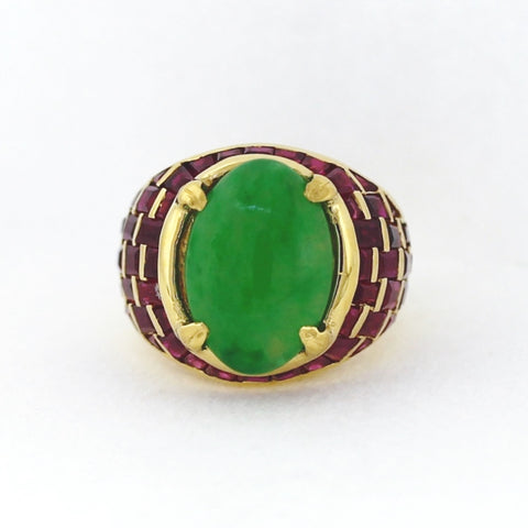 Estate Oval Jade Baguette Rubies 5.00 ctw approx 12.0gr 18K Yellow Gold Lady's Ring LR4146