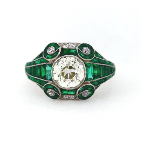 Estate 1 European Cut Diamond = 2.34 ct 8 Round Diamonds = .16 ctw Emerald Accents 7.2gr Platinum Lady's Ring LR4158