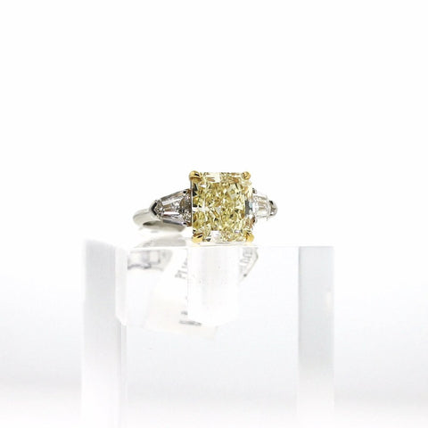 Radiant Cut Diamond 5.03 ct Fancy Yellow VVS2 and 2 Shields, Platinum and 18K Gold Ring GIA # 215509963 FCX0026 LRX0252