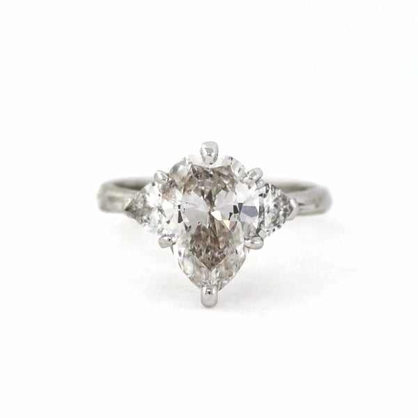 Estate 2 Heart Shape = .34ctw Platinum Lady's Ring SMNT1850