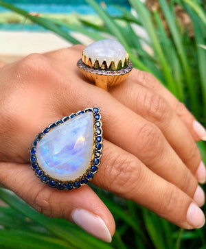 Scalloped East-West Ring