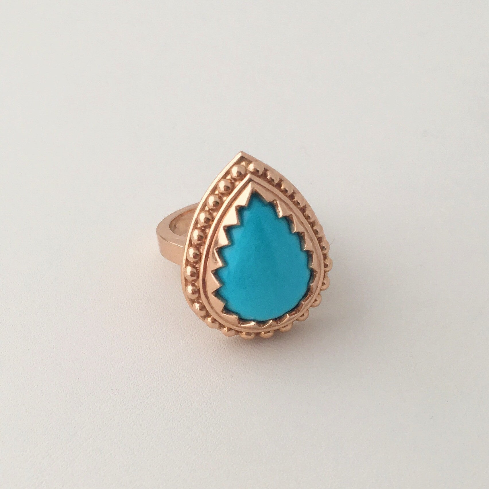 Teardrop ball ring