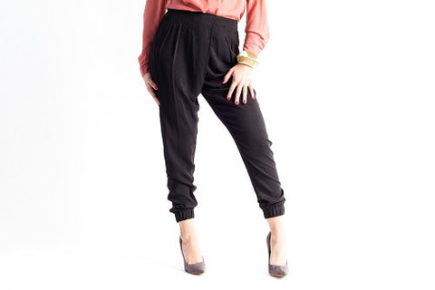 Pleated Overlapped Jogger Pants Black