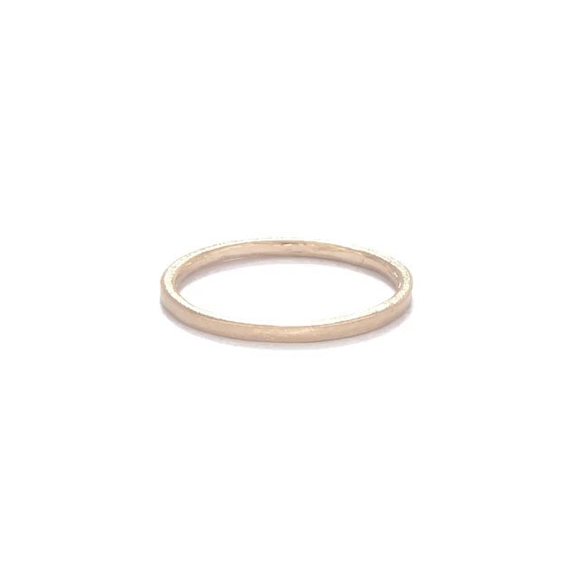 image-https://cdn.shopify.com/s/files/1/1090/1794/files/Chupi_Solid_Gold_Hawthorn_Wedding_Band_Slim.mp4?2830