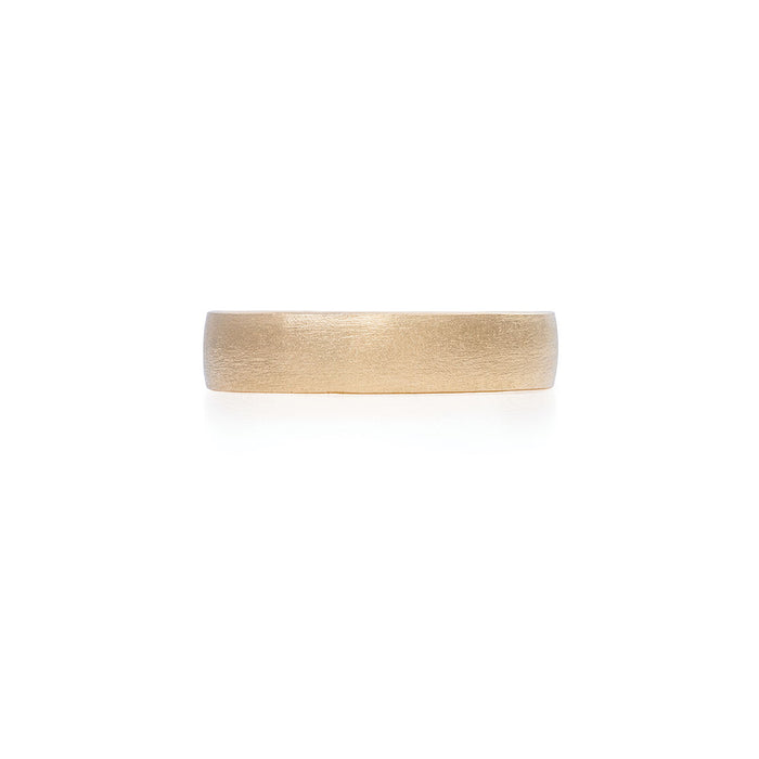 On-body shot of Chupi - Polished Hawthorn Bark Wedding Band - Wide - Solid Gold Ring