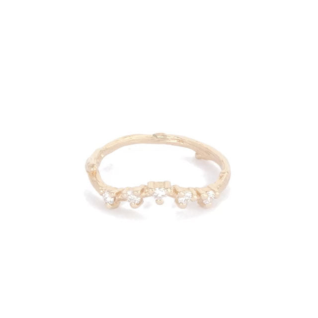image-https://cdn.shopify.com/s/files/1/1090/1794/files/Chupi-Solid-Gold-Ring-Written-in-the-Stars-Classic-Diamond.mp4?10156170653738082228
