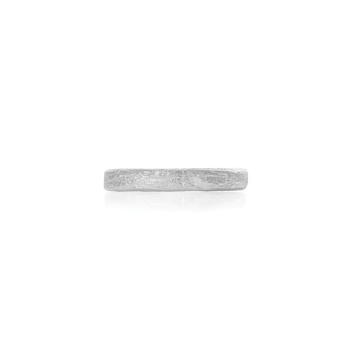On-body shot of Chupi - Driftwood Slim Wedding Band - Solid White Gold Ring