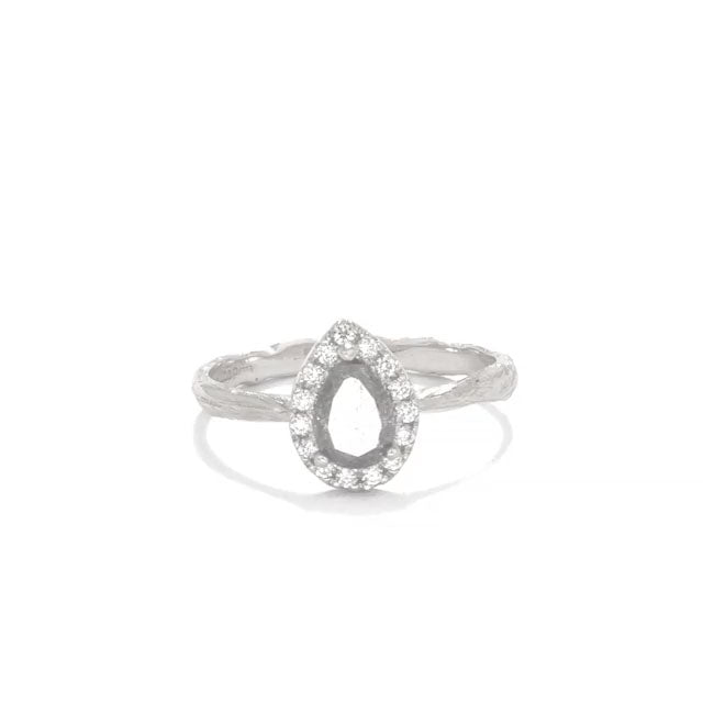 image-https://cdn.shopify.com/s/files/1/1090/1794/files/Chupi-Solid-White-Gold-Ring-Queen-of-Hearts-Pear-Stormy-Grey-Diamond.mp4?1622