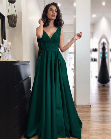 Image of Emerald-Green-Bridesmaid-Dresses