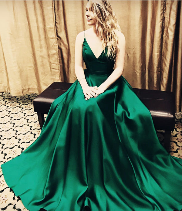 emerald green prom gowns