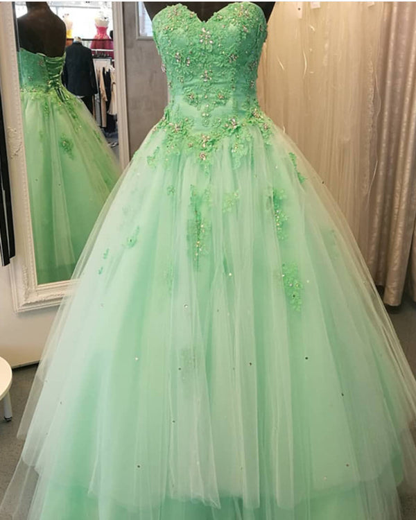 Lace Appliques Beaded Sweetheart Tulle Floor Length Quinceanera Dresses