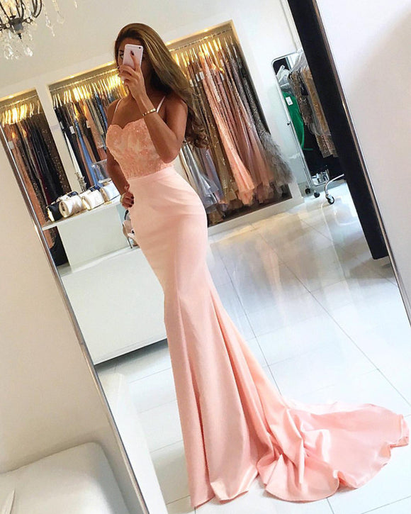 Elegant Appliques Sweetheart Satin Mermaid Prom Dress