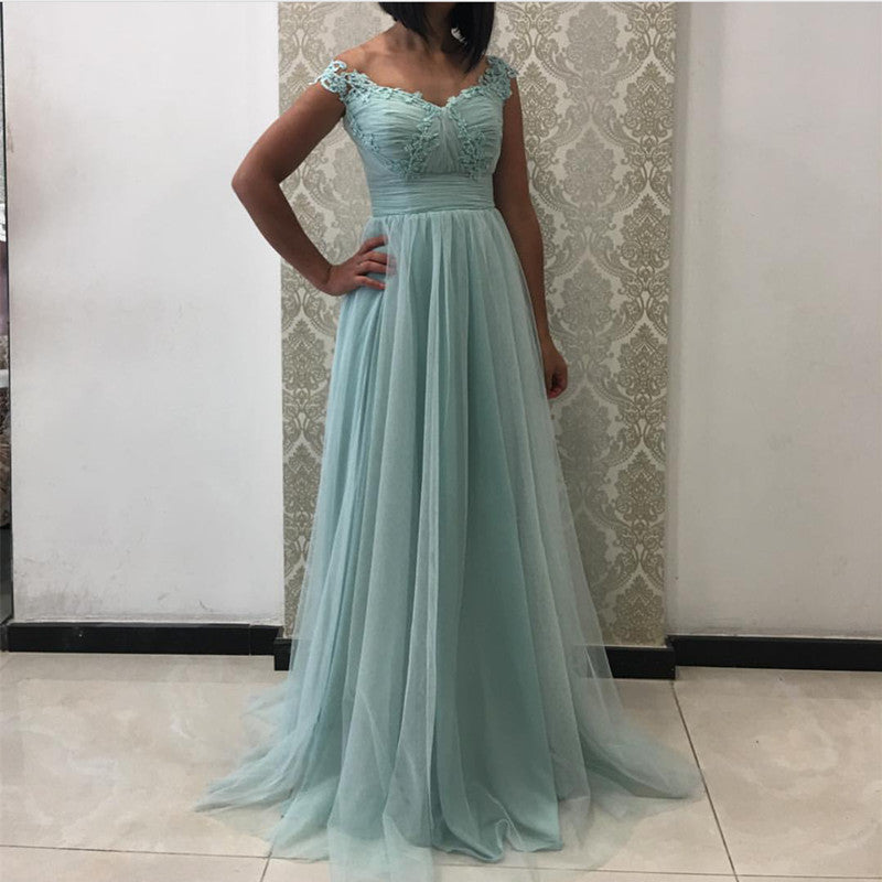 Off The Shoulder Tulle Empire Bridesmaid Dresses With Lace Appliques