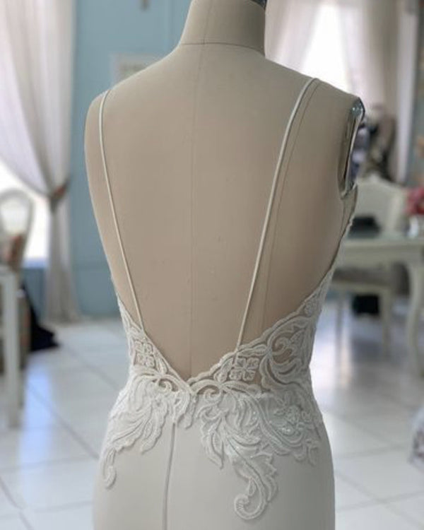 Mermaid V Neck Wedding Dress Lace Embroidery