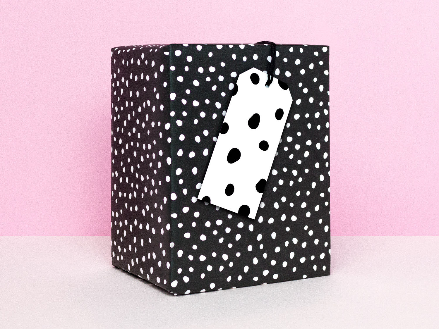 Black and white spots gift wrapping sheets by My Darlin' | www.mydarl.in