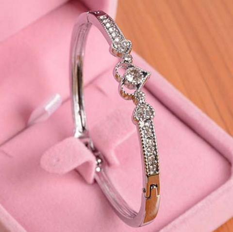 Hot Silver Plated Crystal Heart Shape Wedding Bracelet Bangle