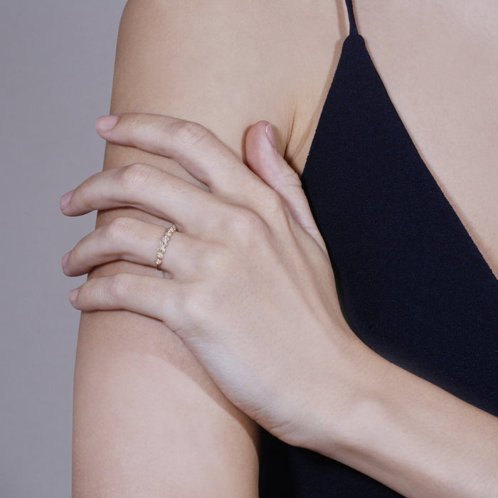 Fine Coil Ring Gold | Sarah & Sebastian hoverimage