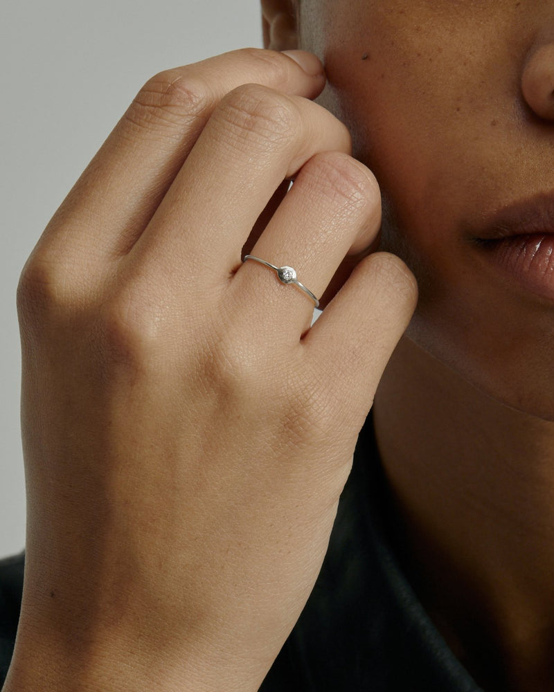 Fine Cell Diamond Ring White Gold | Sarah & Sebastian onBody