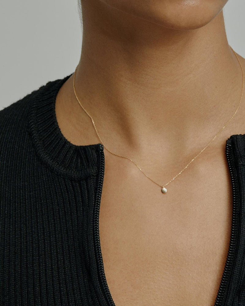 Fine Cell Necklace Gold | Sarah & Sebastian onBody