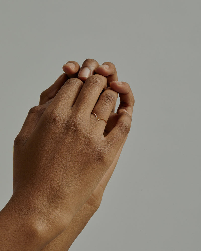 Fine Drop Ring Gold | Sarah & Sebastian onBody