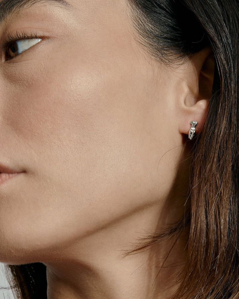 Single Gaia Earring II Silver | Sarah & Sebastian onBody