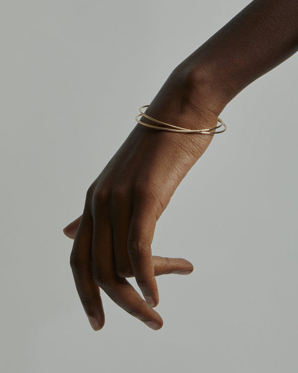 Interlinked Bangled Bangle Gold | Sarah & Sebastian onBody