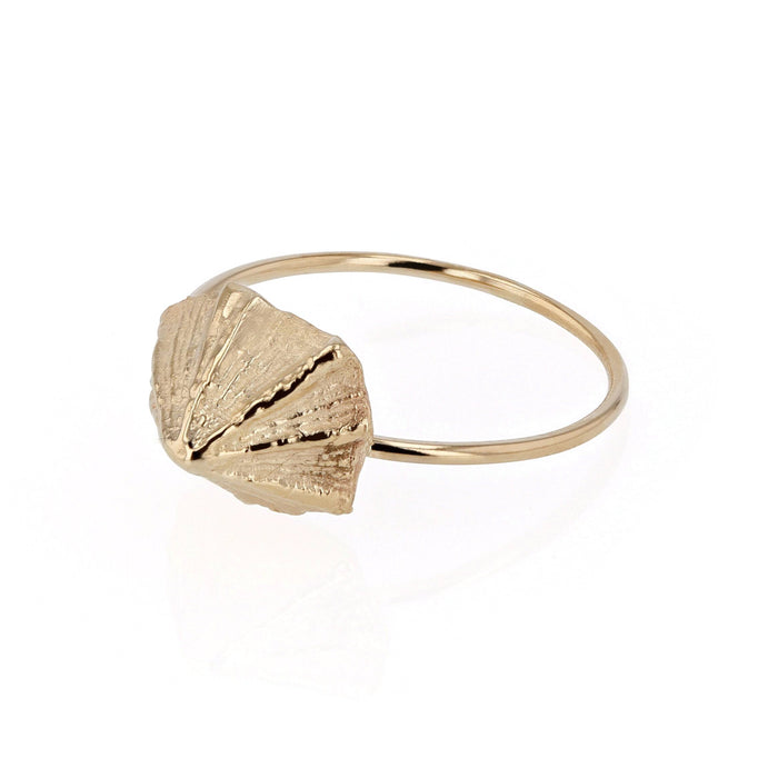 Limpet Ring Yellow Gold | Sarah & Sebastian