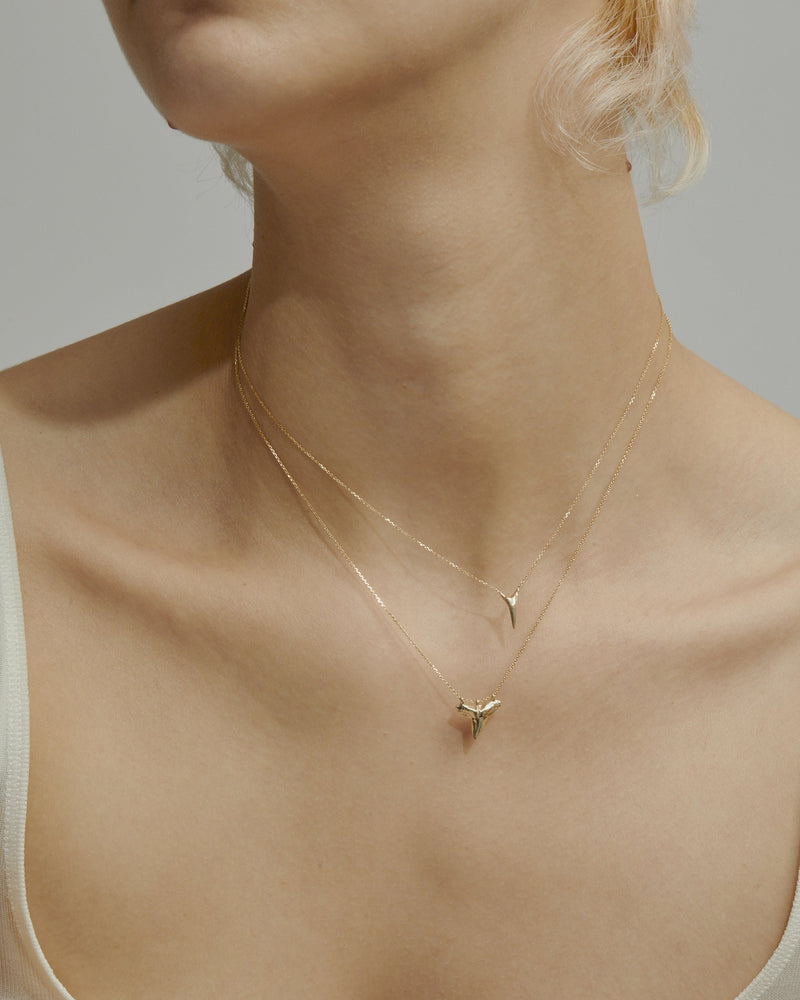 Fine Reef Shark Necklace Gold | Sarah & Sebastian onBody