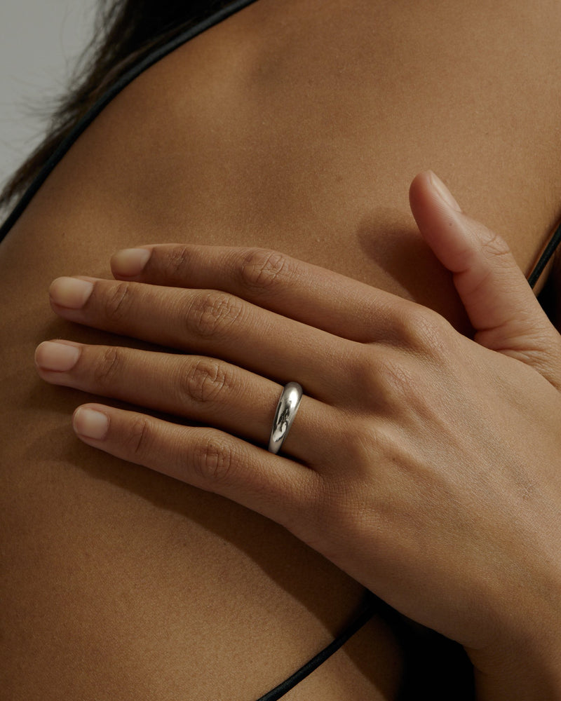 Statement Volume Ring Silver | Sarah & Sebastian onBody
