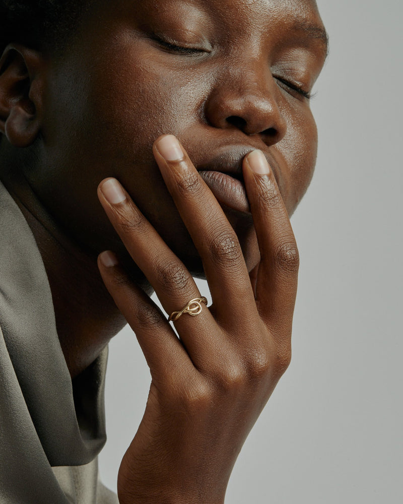 Tendril Ring Gold | Sarah & Sebastian onBody
