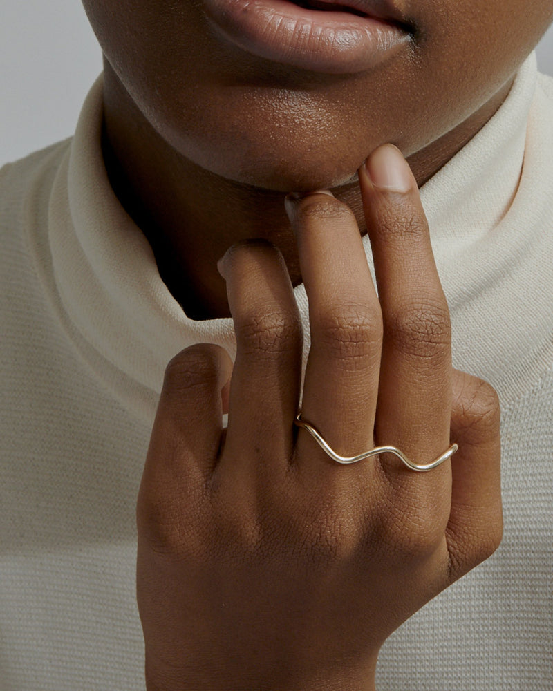 Wave Two Finger Ring Gold | Sarah & Sebastian onBody