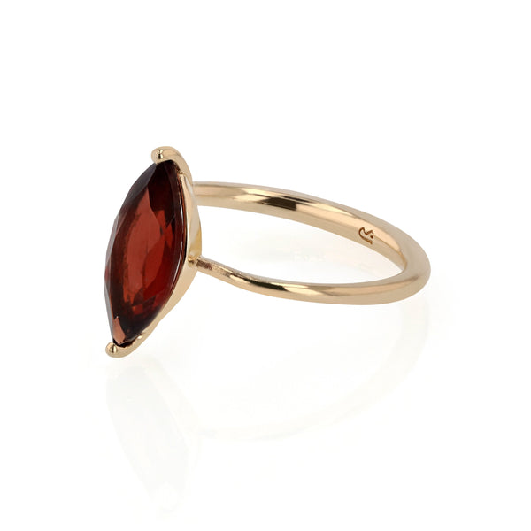 Winedark Solitaire Ring Gold | Sarah & Sebastian