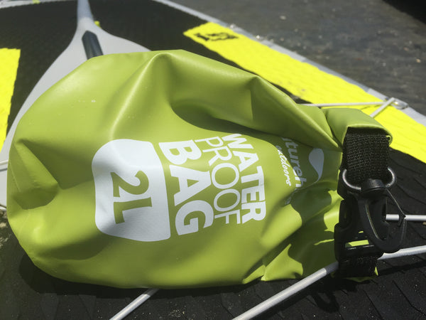 2L  Waterproof Dry Bag for Storing Valuables while Canoeing, Kayaking, Sailing, SUP, Paddle boarding, Rafting, Surfing.