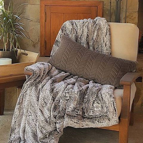 Couture Oversized Throw- Silver Fox