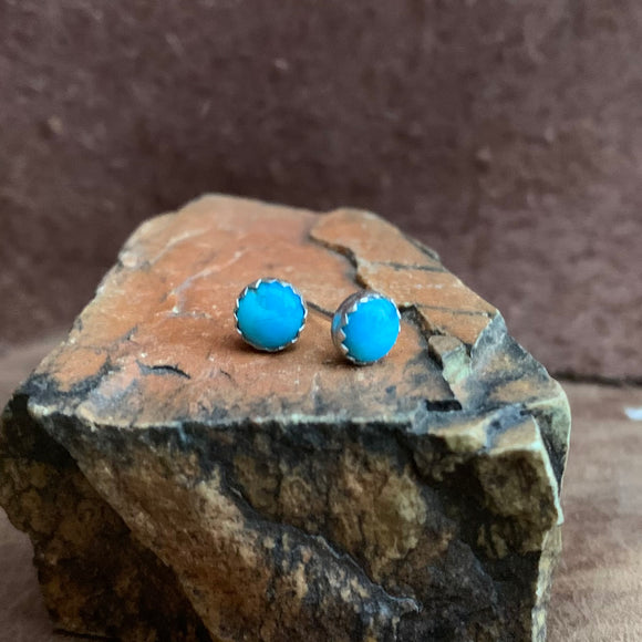 Sterling Silver Kingman Turquoise stud earrings
