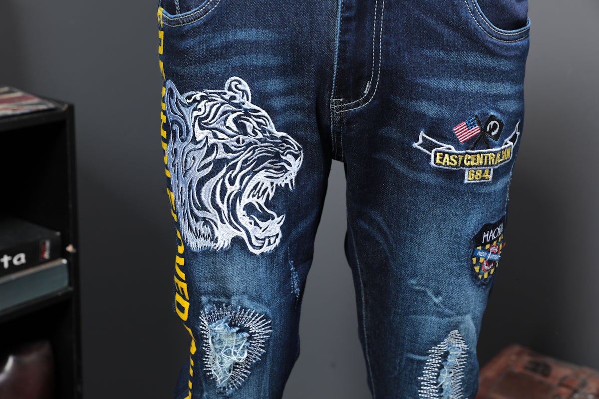 Tiger Head Embroidery Print with Letters pattern on Sides Casual Style Men Jeans