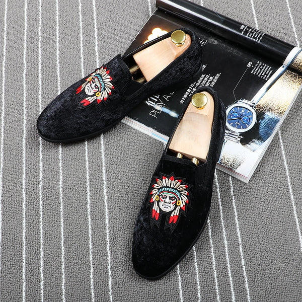5eabc98588103 Indian Head Embroidery Men Velvet Loafers Shoes