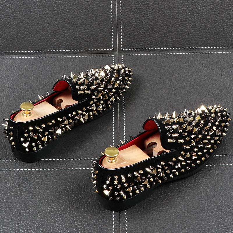 Black Sharp Rivets Pointed Toe Casual Style Men Shoes
