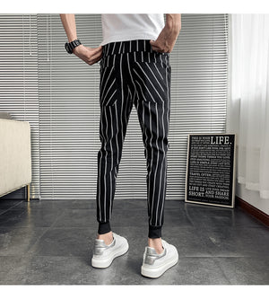 Vertical Stripes Men Monochrome Tapered Leg Pants