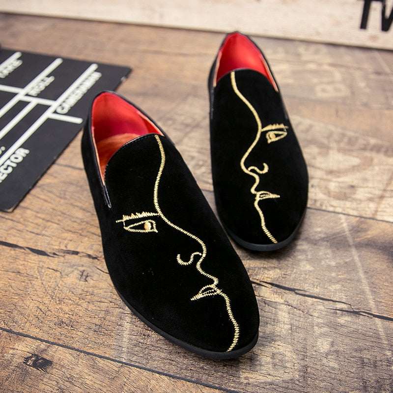 Men Simple Loafers With Side Face Embrodiery Details - FanFreakz