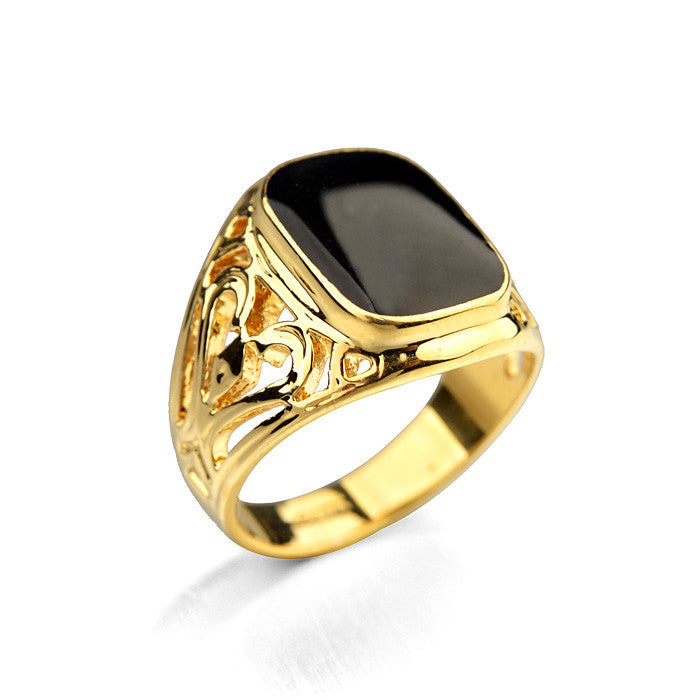 Vintage Style Black Stone Men Ring With Hood Detail - FanFreakz
