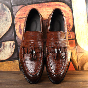 Tasseled Men Croco Pattern PU Leather Loafers Shoes - FanFreakz
