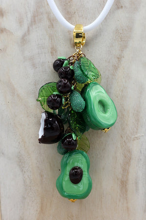 "Avocado ""Sharwil"" necklace"